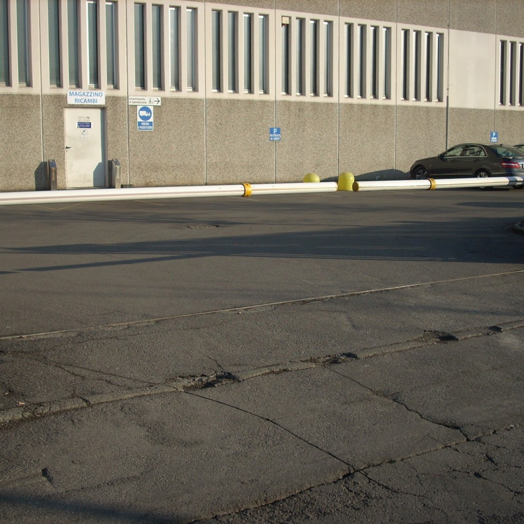 Barriere stradali e sbarre brescia elettrotecnica tonelli for Sbarre per porte