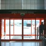 Interno porta automatica supermercato
